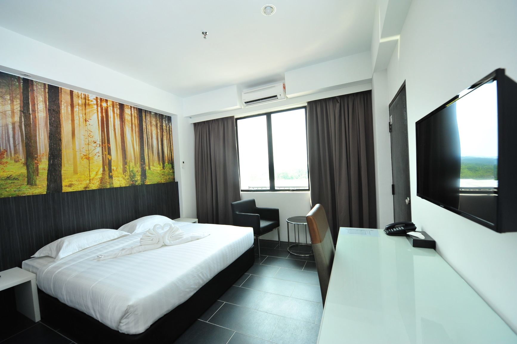 Hotel King Bed with Writing Desk